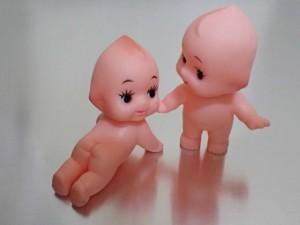 2体のキューピー人形